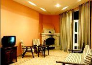 отель Chatcal Mountains: Гостинная в коттедже