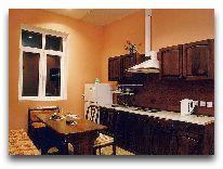 отель Chatcal Mountains: Кухня в коттедже