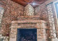отель Chateau Chikovani: Камин в ресторане