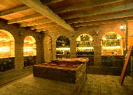 отель Chateau Chikovani: Винный погреб
