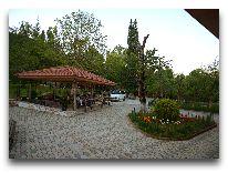 отель Chateau Chikovani: Летняя беседка
