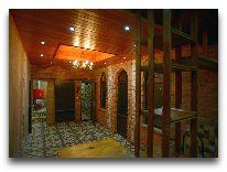 отель Chateau Chikovani: Холл перед сауной