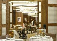 отель Chenot Palace Health Wellness Hotel: Ресторан