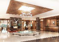 отель Chenot Palace Health Wellness Hotel: Холл