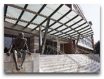 отель CHINAR HOTEL & SPA NAFTALAN: Вход в отель