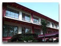 отель Club Royal Park: Вид на отель сбоку