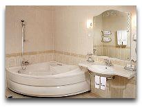 отель Codru: Ванна в номере Luxe
