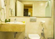 отель Colosseum Marina: ванная