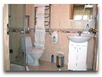отель Illada: Ванная комната