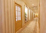отель Континенталь II: Коридор отеля