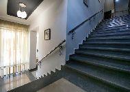 отель Continental: лестница