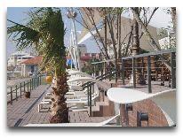 отель Crescent Beach: Шезлонги