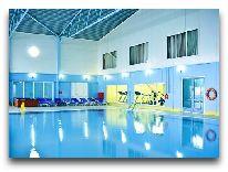 отель Crescent Beach: Закрытый бассейн