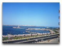 отель Crown Hotel Baku: Вид из отеля