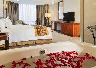 отель Crowne West Plaza Hanoi: Deluxe room