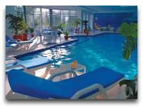 отель Wyndham Hotel Tashkent: Закрытый бассейн