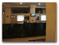 отель Wyndham Hotel Tashkent: Ресепшен