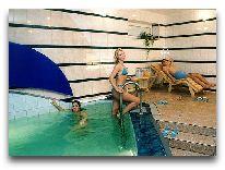 отель Дейма: Бассейн