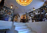 отель Deluxe Hotel: Лестница в ресторане