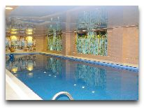 отель Deluxe Hotel: Бассейн