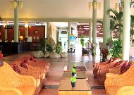 отель Diamond Bay Resort & Spa Hotel: Лобби