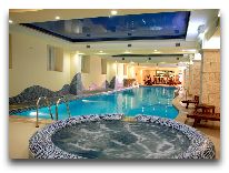 отель Dilijan Resort: Бассейн