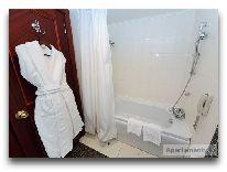 отель Diplomat: Ванная в номере