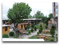 отель Discovery: Внутренний дворик