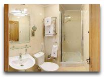 отель Днепр: Ванная стандартного номера