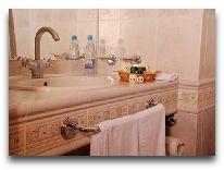 отель Dnister: Ванная в двухместном номере