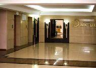 отель Dostyk A Б: Вход в отель