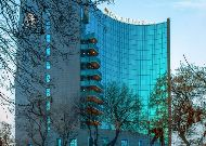 отель DoubleTree by Hilton Yerevan City Center: Фасад отеля