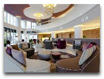 отель DoubleTree by Hilton Yerevan City Center: