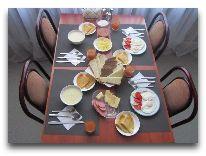 отель Элита: Континентальный завтрак
