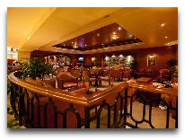 отель Duxton Hotel: Бар