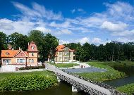 отель Ekesparre Residents Hotel: Вид на отель из парка