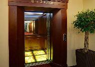 отель Elegant Hotel& Resort: Лифт