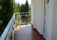 отель Elite: балкон отеля со стороны улицы