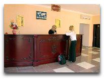 отель Empire Hotel Baku: Ресепшен