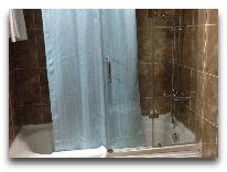 отель Era Palace: Ванная в номере полулюкс