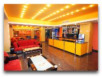 отель Erebuni Hotel: Лобби