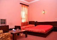 отель Yerevan Deluxe Hotel: Двухместный номер+доп кровать