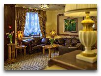 отель Эрмитаж: Холл