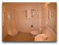 отель Eiropa Hotel: Ванная комната в люксе, корпуса экономического класса