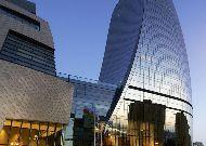 отель Fairmont Baku Flame Towers: Вход в отель