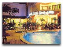 отель Festival Hue Hotel: Бассейн