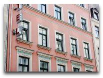 отель Forums: Фасад отеля