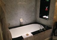 отель Four Seasons: Ванная комната