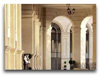 отель Four Seasons: Вход в отель