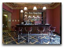 отель Gallery Park Hotel: Бар